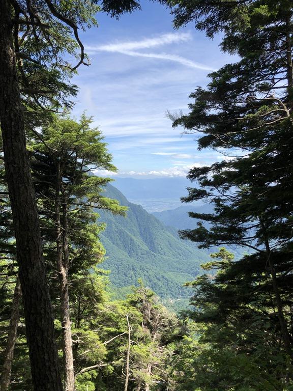 燕岳登山冨士見ベンチ途中の風景