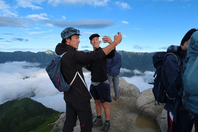 燕岳頂上風景